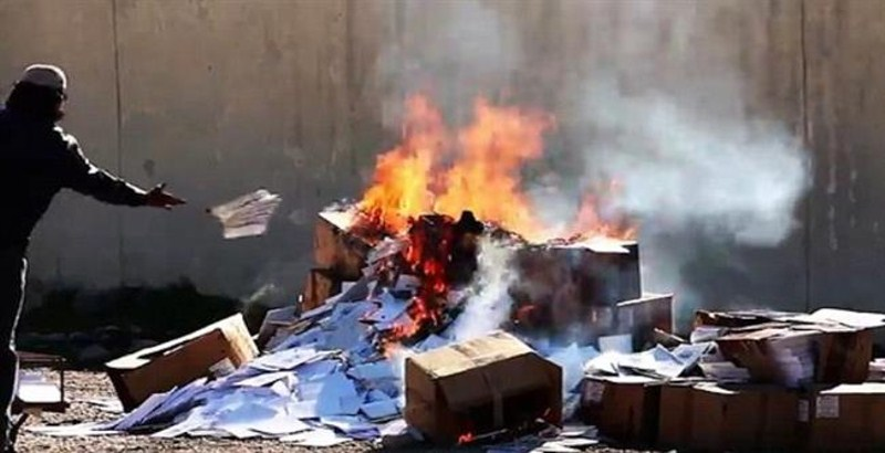 ISIS terrorists burning Christian books in new video