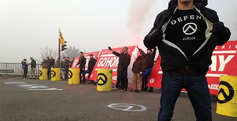 Activists block refugee routes to Calais