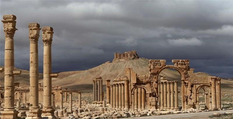 Russian warplanes conduct 70 airstrikes today on Palmyra