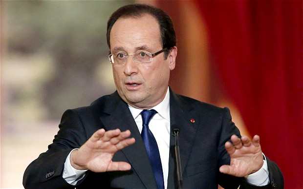 Hollande wants Poland's EU membership suspended