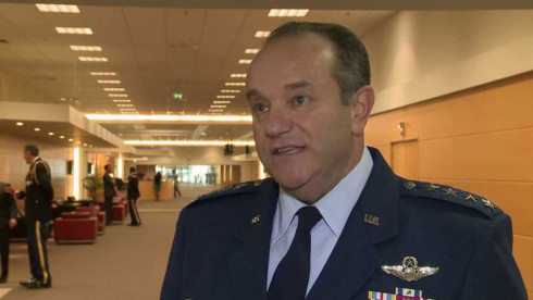 NATO commander: terorists are entering Europe together with refugees