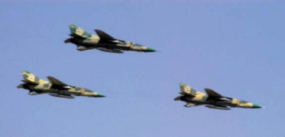Syria's Air Force Pounds ISIS in Deir Ezzor