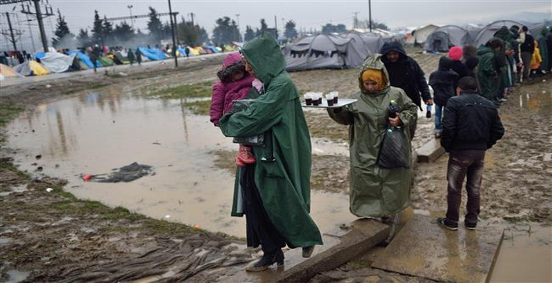 3 refugees drowned and 23 rescued trying to reach Macedonia