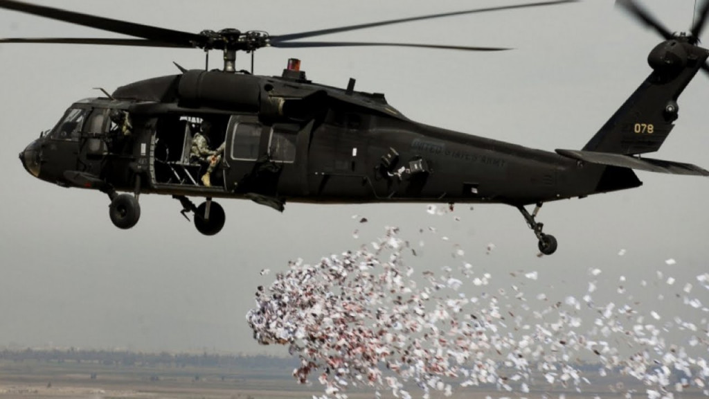 Iraqi Air Forces Drop Leaflets over Mosul Calling its Residents to be Prepared for Liberation