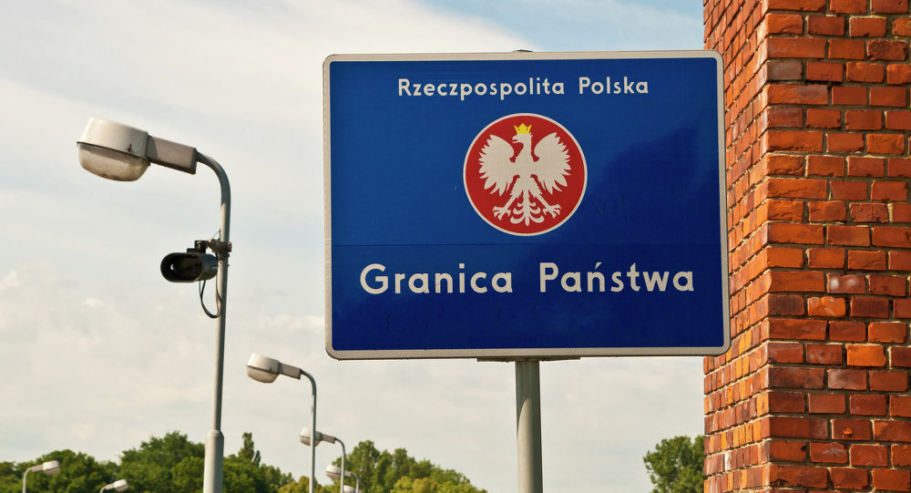 80% of Poles Age 18-24 Support the  Return of EU Internal Border Controls