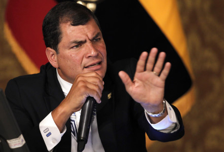 "Correa warns about a new ""Plan Cóndor"" in South America"