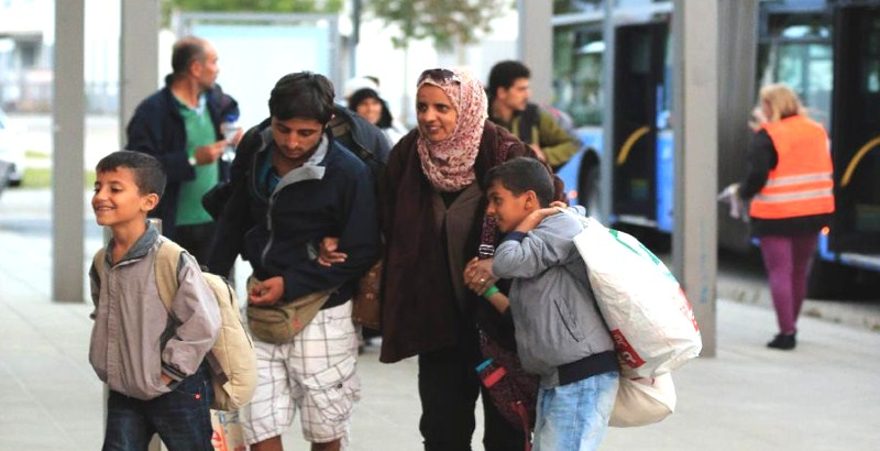 Germany receives first batch of legal refugees from Turkey