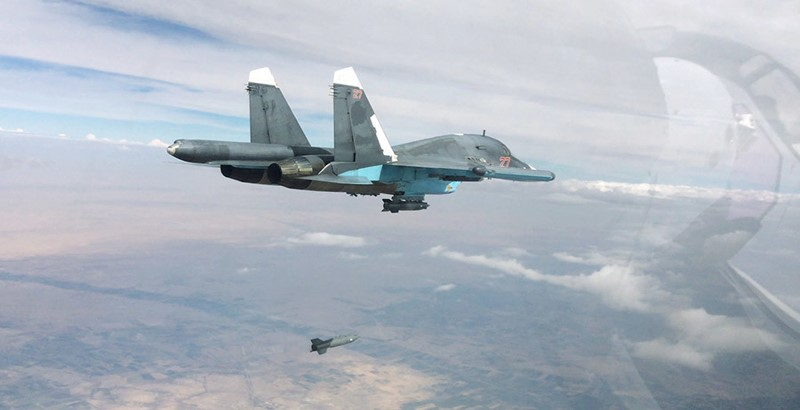 Russian,Syrianbomberslaunched surprise attacks over ISIS nearRaqqah