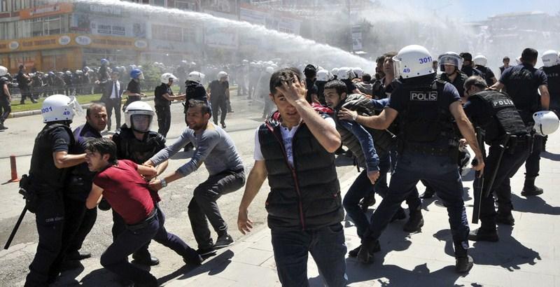 Ankara 'not so much fights radicals as cooperates with them,' civil war underway in Turkey: Vladimir Putin