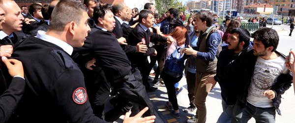 Clashes Erupted at Anadolu University in Turkey. 9 Injured