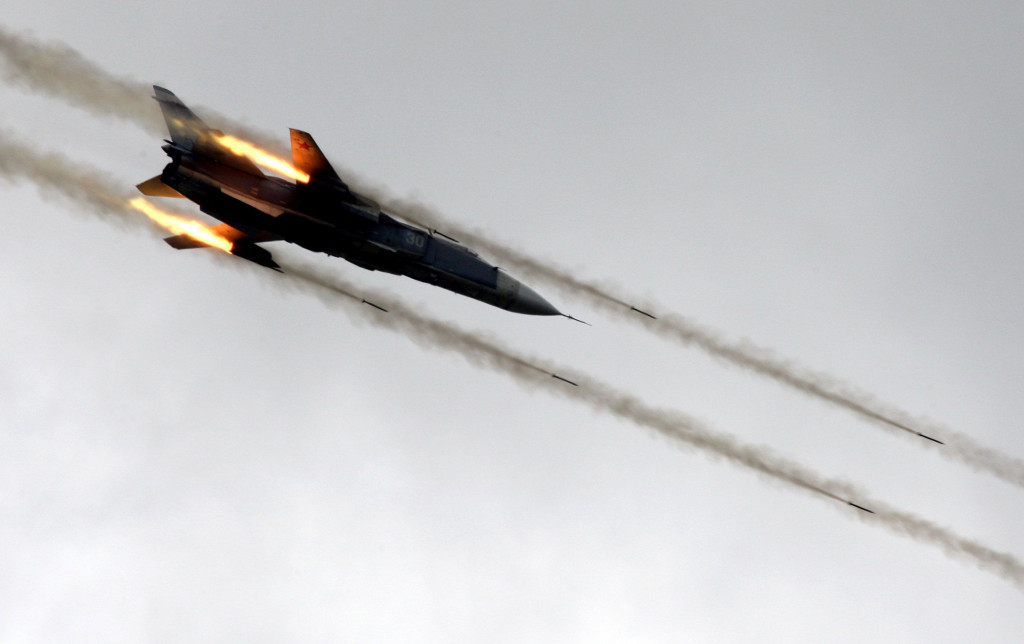 Syrian & Russian Warplanes Pound Terrorists in Aleppo Province