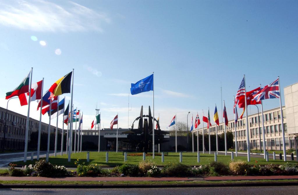 Obama Calls on Merkel for More Money for NATO