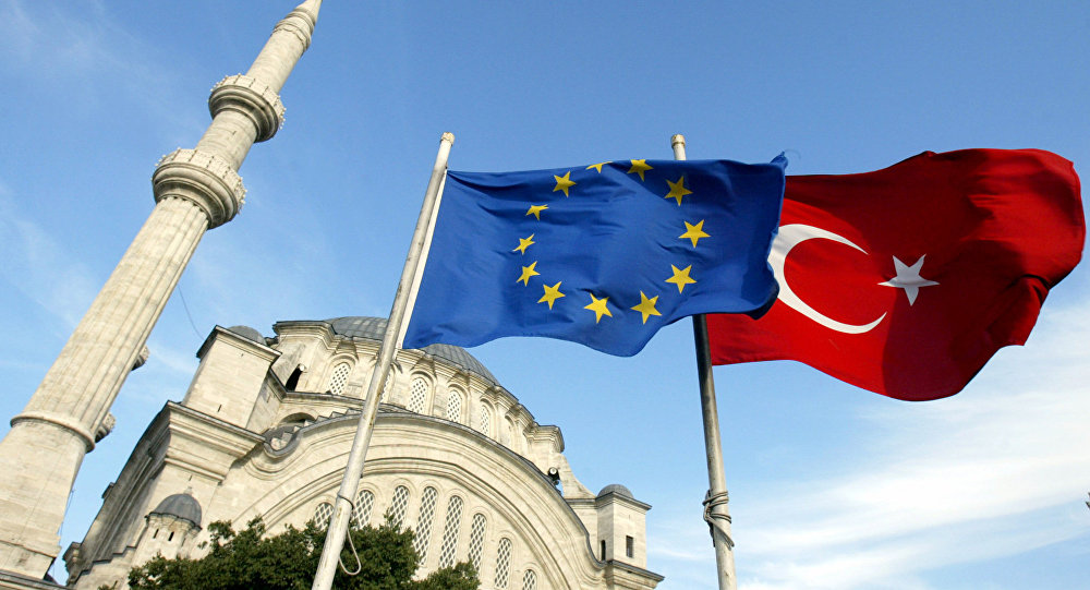 """The European Commission to """"Hold Its Nose"""" and Approve the Abolition of Visas for Turkish Citizens"""