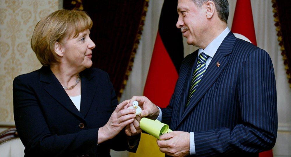 Germans Do Not Believe in Merkel's Deal with Turkey