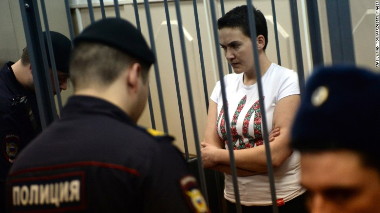 Will pardoning of Nadezhda Savchenko affect relations between Russia and Ukraine?