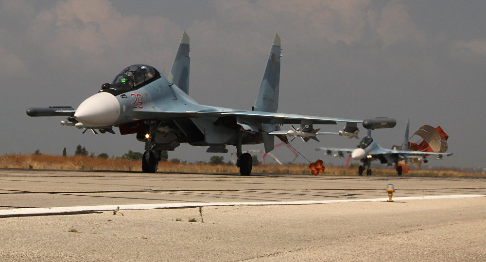 Russian Warplanes Smash Communication Towers Controlled by Militants in Syria