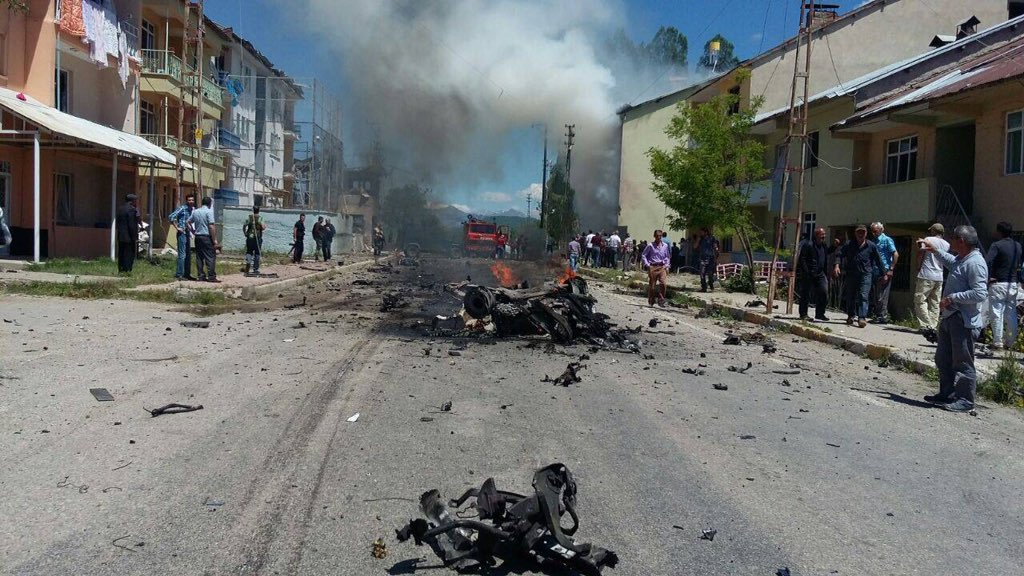 Car Bomb Attack and Gunfire in Turkey's Tunceli: 9 Injured