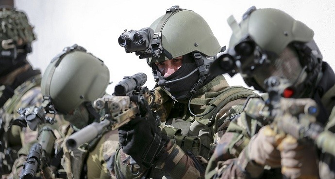 France Admits Special Forces on Ground in Syria