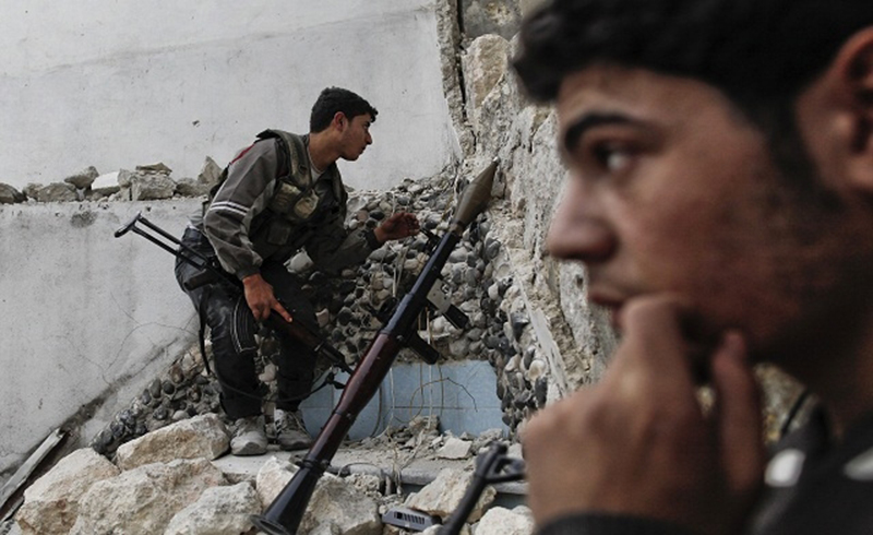 Islamist rebels fight back, launch counter-offensive in eastern Damascus