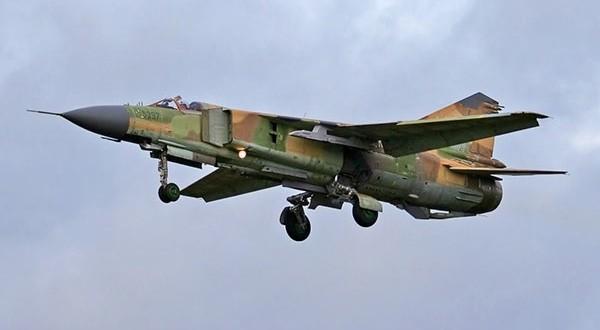 Syrian Warplanes Pound ISIS Positions at Raqqa and Deir Ezzor