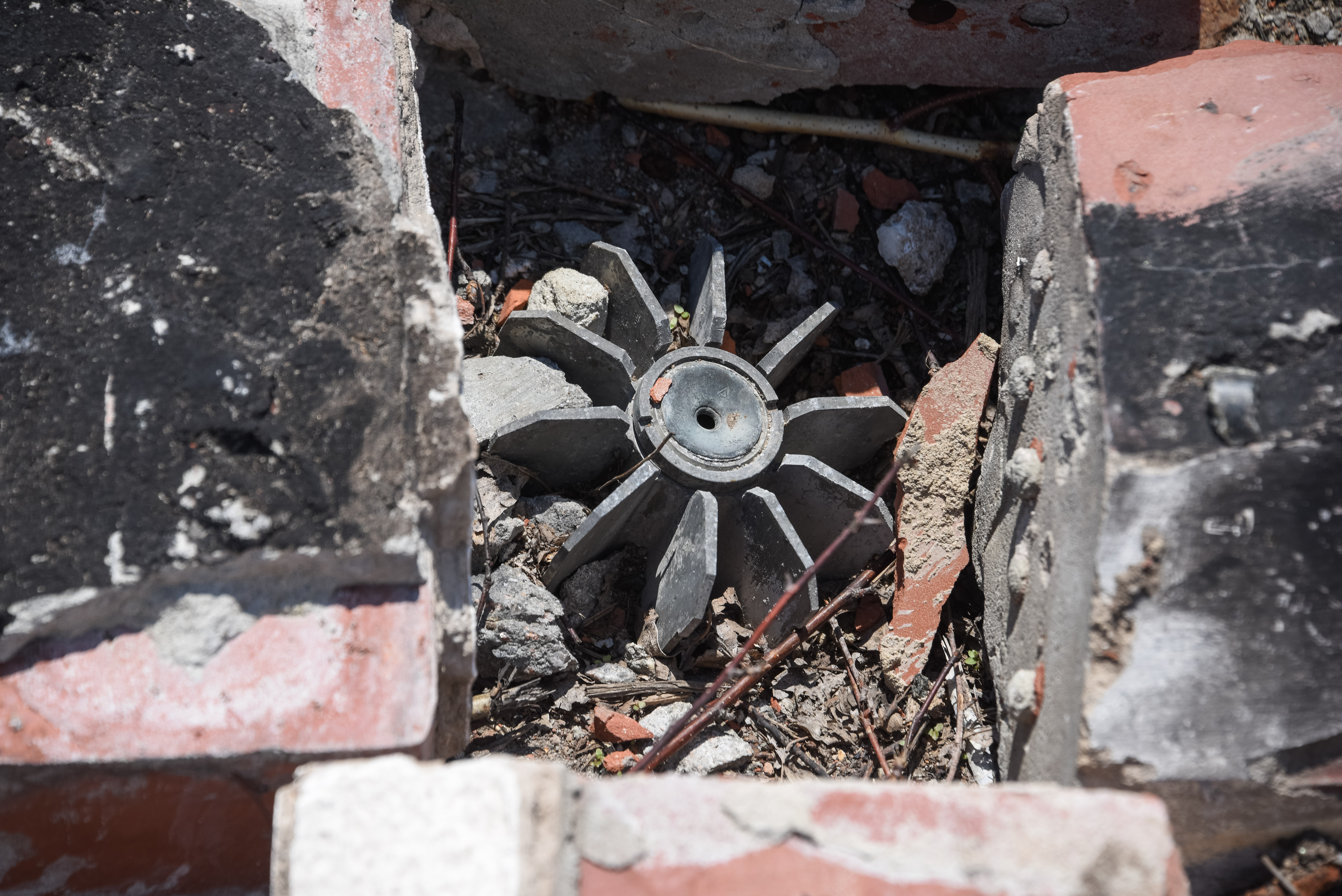 Up to 15 People Injured in Ukrainian Shellings in Donbass Region