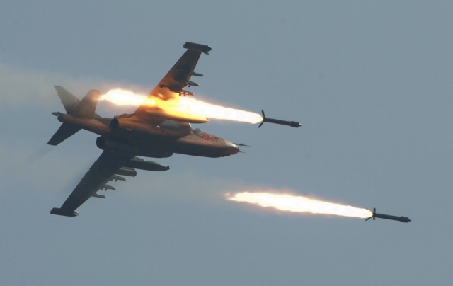 Syrian and Russian Warplanes Heavily Bomb Terrorist in Aleppo Province