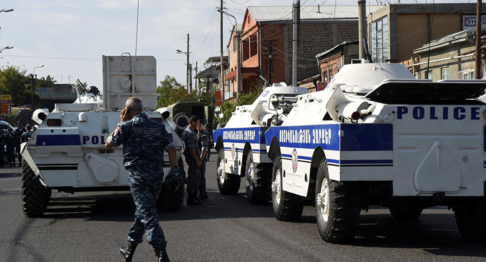 Radicals Seize Patrol Police Station in Armenia, Call to Rebellion