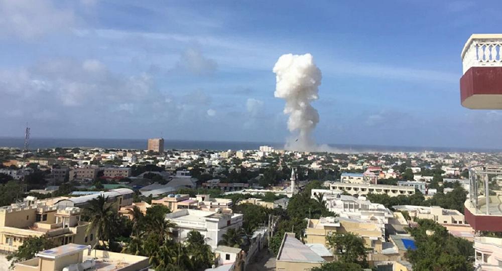 2 suicide attacks near Somalia's Mogadishu airport: 13 killed, 5 wounded