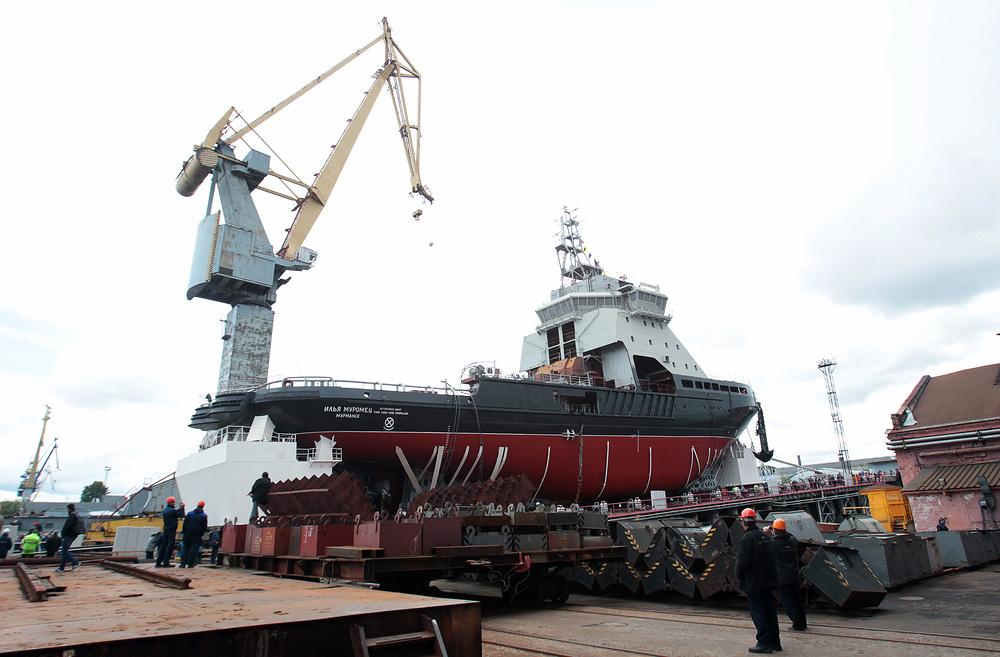 Russia to Build Combat Icebreakers for Arctic