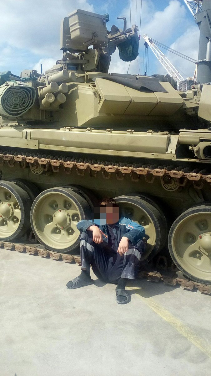 New Batch of Russian T-90 3rd-Generation Battle Tanks arrives to Algeria