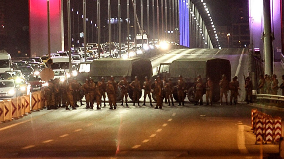 New Footage of Clash on Bosphorus Bridge During Turkish Coup Attempt