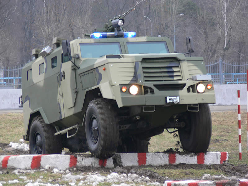 Russian Interior Ministry to Receive Special Armored Vehicle SPM-3 Medved in 2017