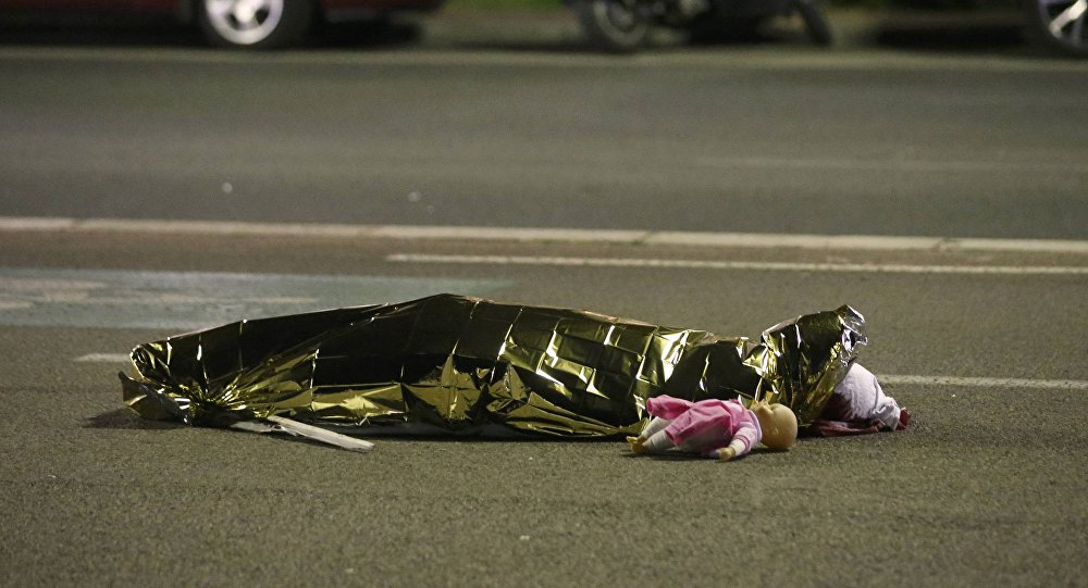 Daesh Claims Responsibility for Truck Attack in Nice, Interior Ministry Denies Attacker Links
