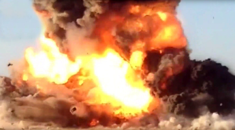 Iraqi Forces Blow Up ISIS Suicide Truck (Video)
