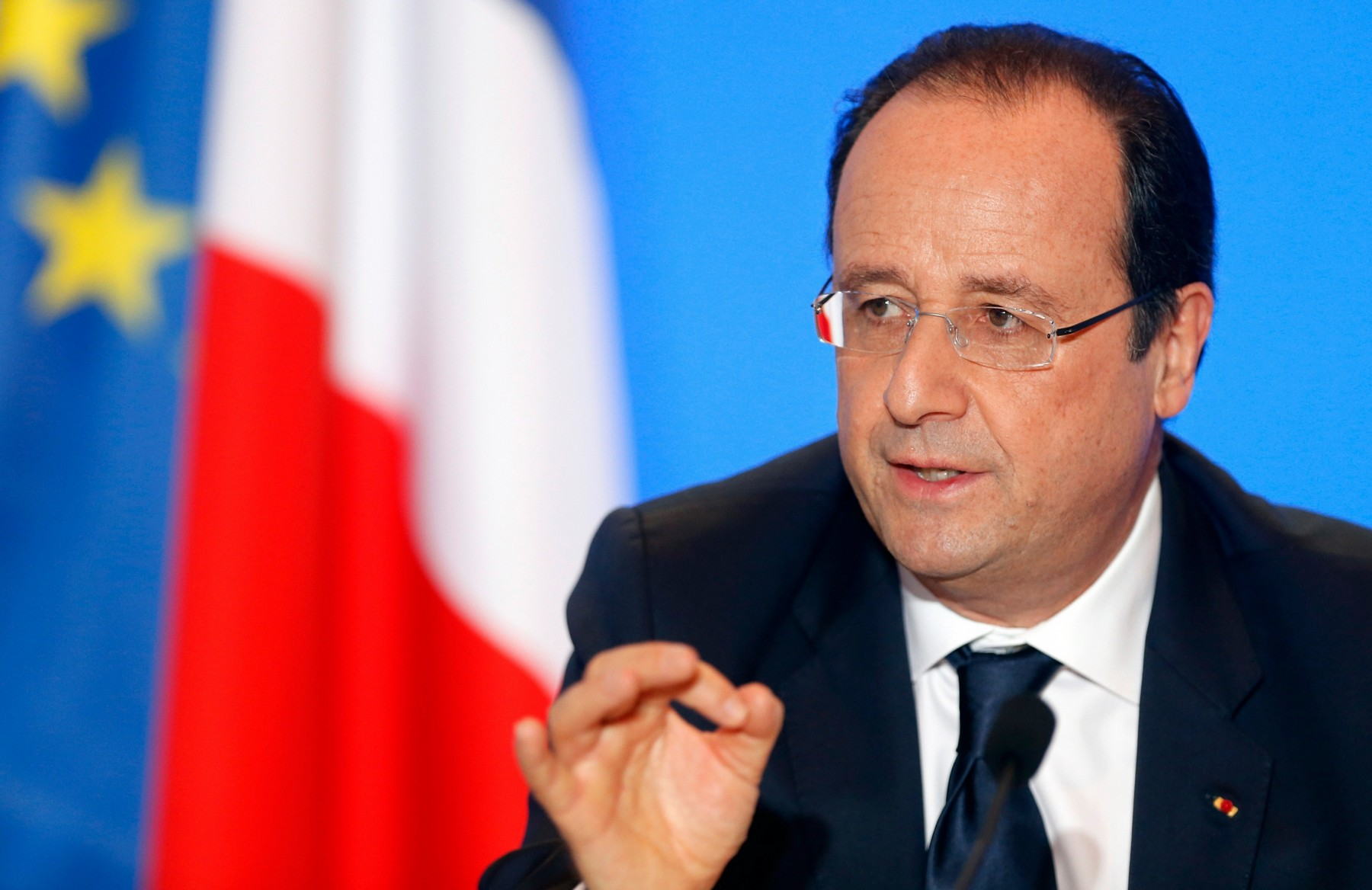 France to send aircraft carrier and additional military advisers to Iraq