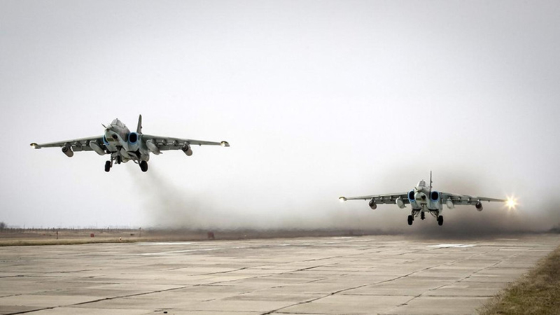 Russian Fighter Jets Destroy ISIS Units in Homs Province