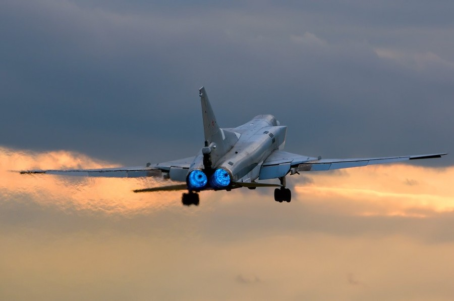 IS Facilities in Syria Struck by Russia's Tu-22M3 Long-Range Bombers