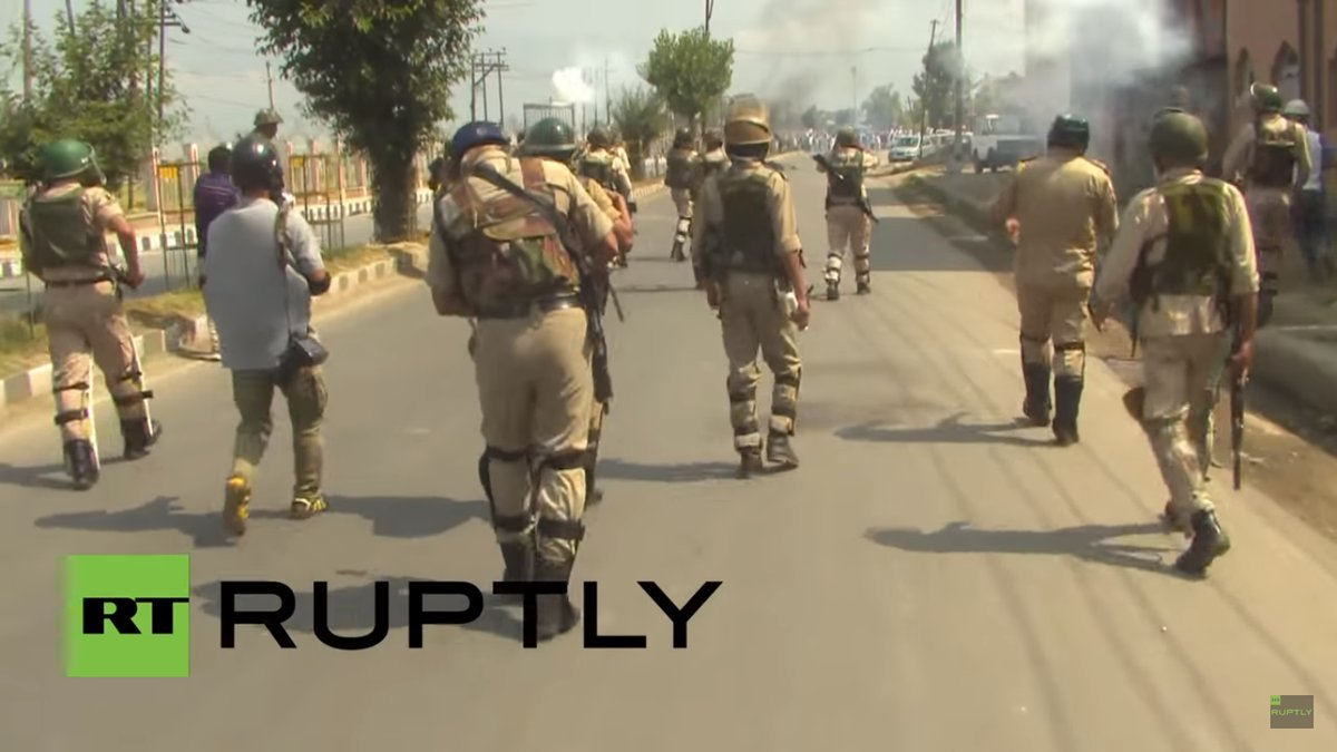 'Peaceful Protesters' with ISIS Flag Clash with Police in Kashmir, India