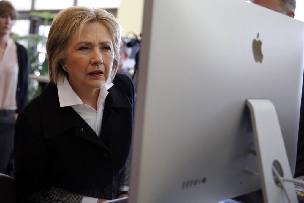US Officials Blame Clinton Campaign Hacking on Russian Intelligence