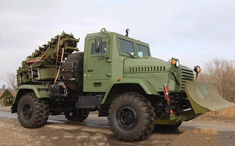 Ukraine Released New PZM-3 Armored Trencher Machine