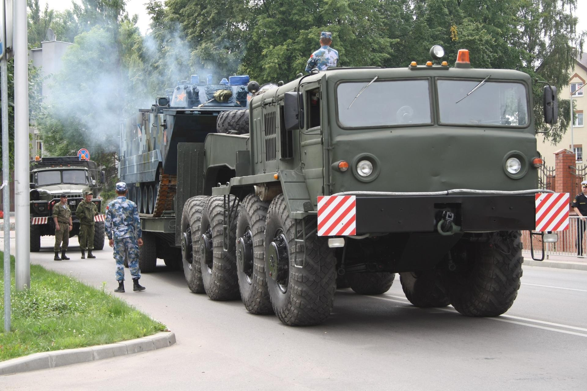 Chinese Marine ZBD05 Combat Vehicles Arrive to Russia (First Photos)
