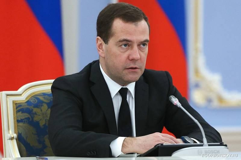Dmitry Medvedev: Proposals on Flights Resumption to Turkey Should Be Presented in One Week