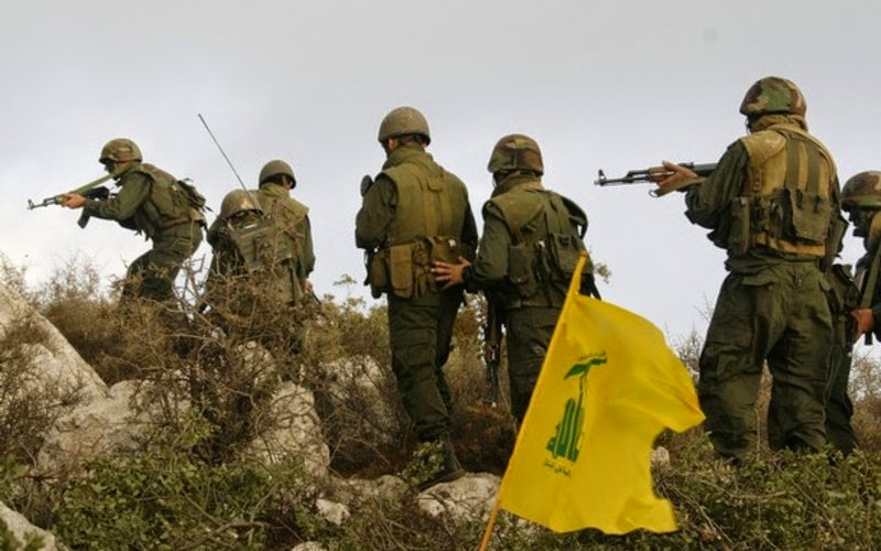 Hezbollah Destroys Nusra bulldozer in Arsal Barrens & BMP vehicles in Zabadani