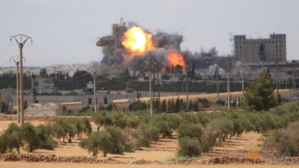 US Continues Airstrikes on Manbij Despite Mass Civilian Casualties