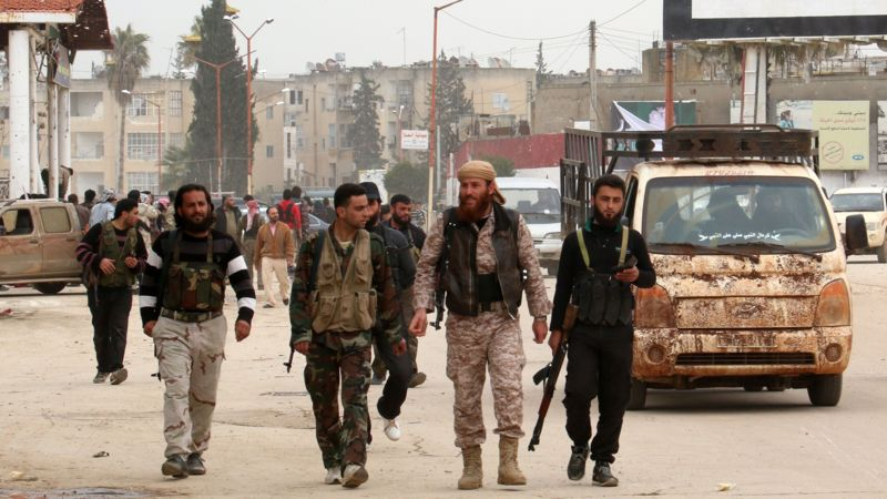 Hundreds of Islamist Rebels Leave Latakia Frontline for New Aleppo Offensive