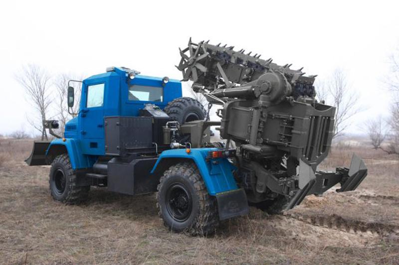 Ukraine Released New PZM-3 Armored Trencher Machine