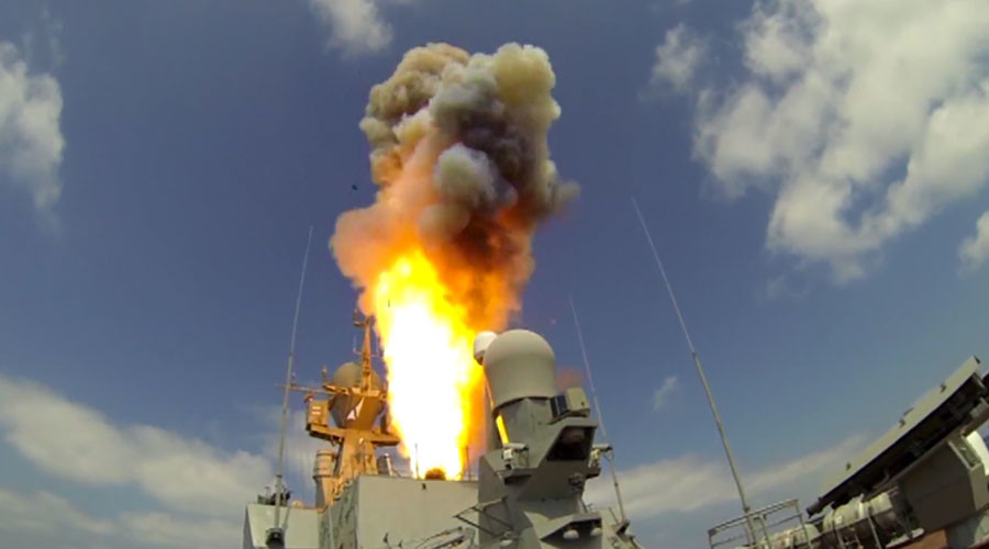 Russian Black Sea Fleet Launch Cruise Missiles on al-Nusra Front Targets in Syria (Videos)