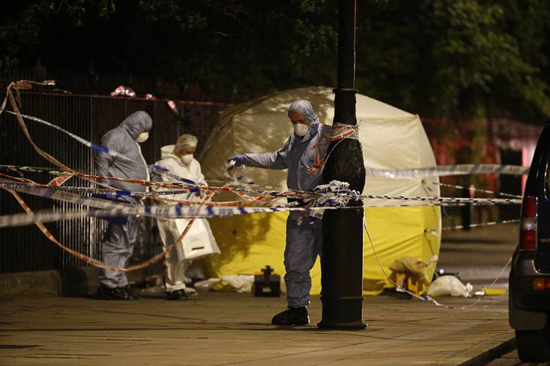 Massacre in London's center: 1 killed, 5 wounded