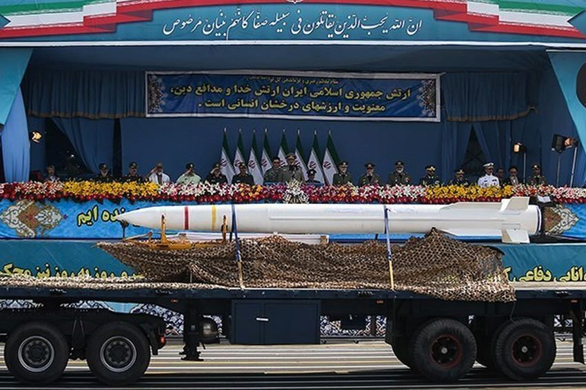Iran Presents Its Own Air Defense System to Wide Audience