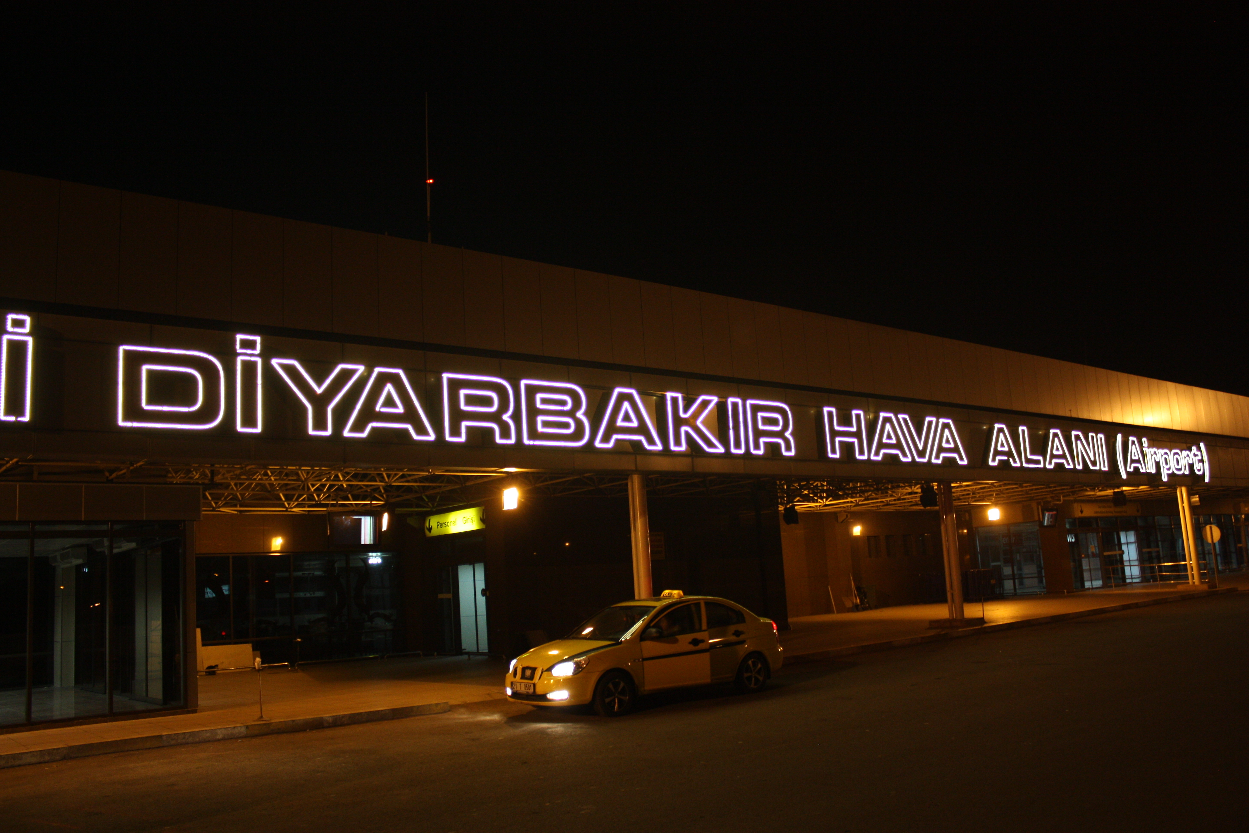 BREAKING: Turkish Airport Hit By Rockets